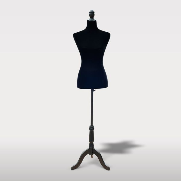 HOMCOM Female Mannequin Dress Form Torso Dressmaker Stand Display Fashion Clothing w/ Base Tailor Tripod Black M | Aosom Canada