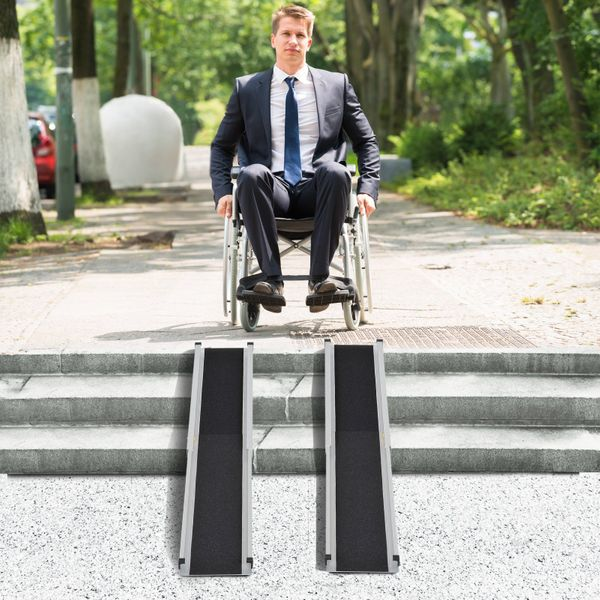 HOMCOM Set of 2 3'-5' Portable Wheelchair Ramp Skidproof PVC Carpeted|Aosom Canada